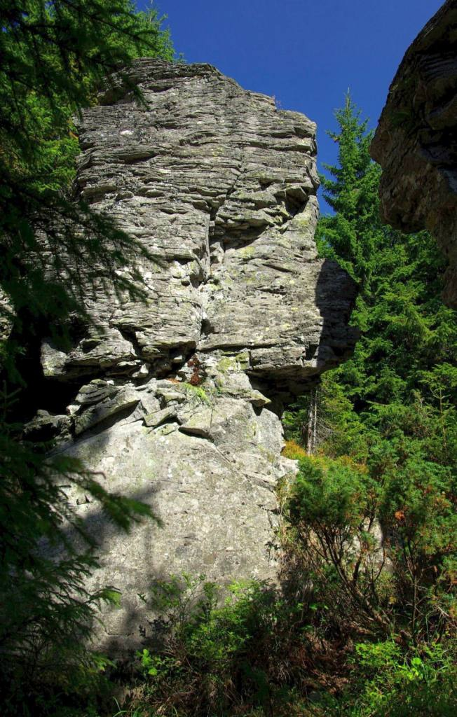 Asztal-kő sziklái - BBB